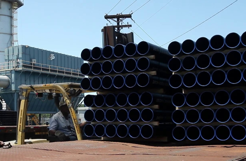 Loading Pipe